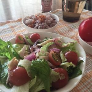 タンパク質入りサラダで満点朝ごはん〜おうちカフェ〜